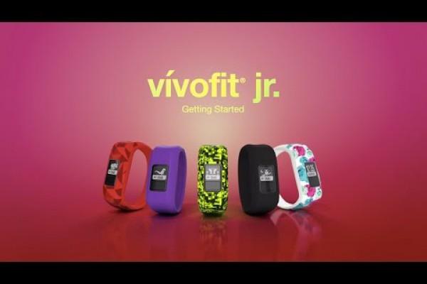 Embedded thumbnail for Náramek Vivofit junior: Video, které vás seznámí s dětským fitness náramkem